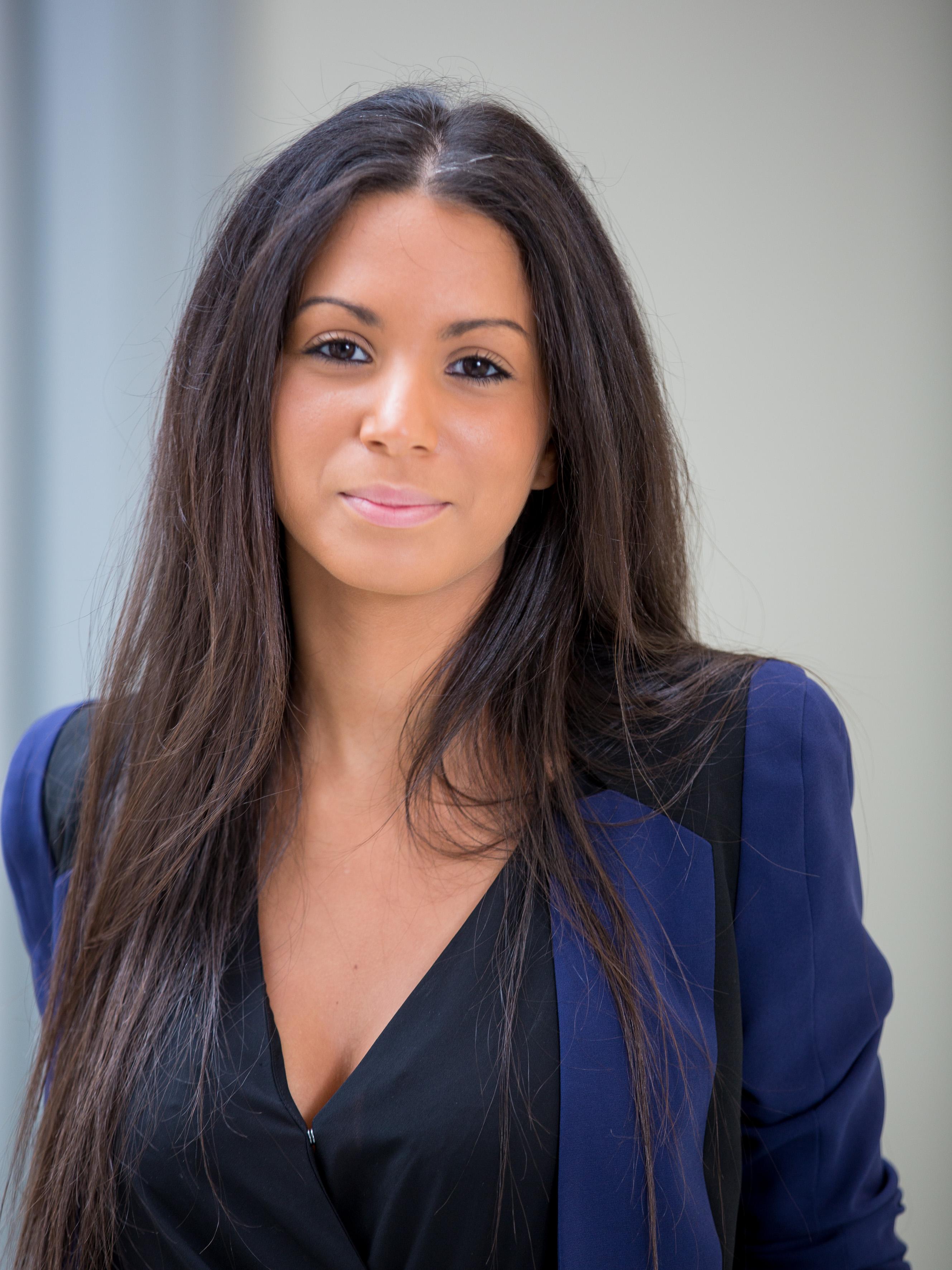 http://www.de-pardieu.com/wp-content/uploads/2015/11/Sandra-Aloui-27-HD.jpg